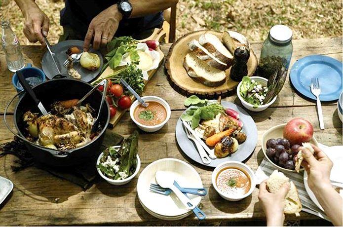 エコソウライフは、オーストラリア生まれの100%天然素材を使用したテーブルウェア ブランドです。魅力からおすすめまでご紹介!エコソウライフは、軽量で割れにくくキャンプに最適。カラーリングがおしゃれなので、キャンプの食卓が自在に演出できますよ!