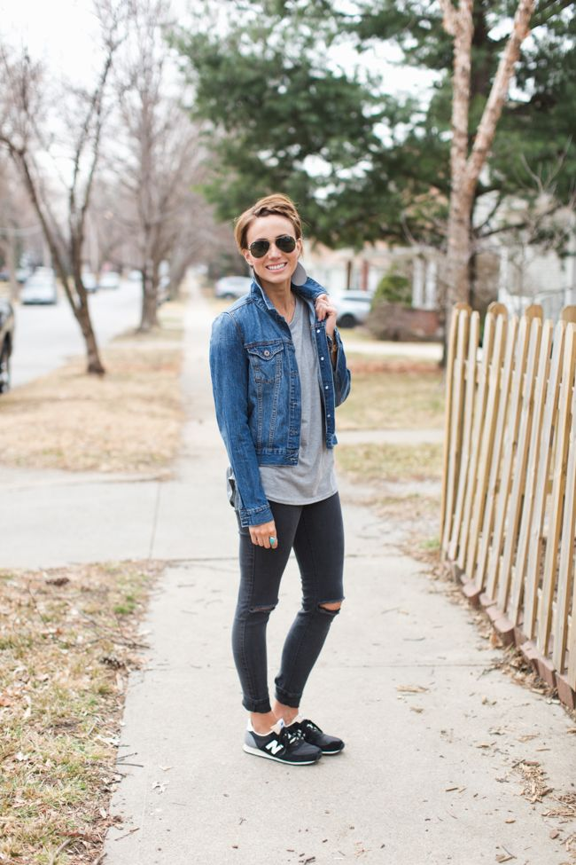 cool mom clothes, distressed skinnies, denim jacket, leather earrings, aviators
