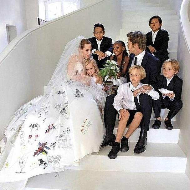 Robe d'angelina jolie mariage
