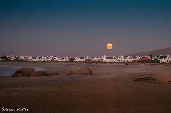 Beautiful Full Moon Paternoster .... Wes- Kus * Adrian Venter 2017