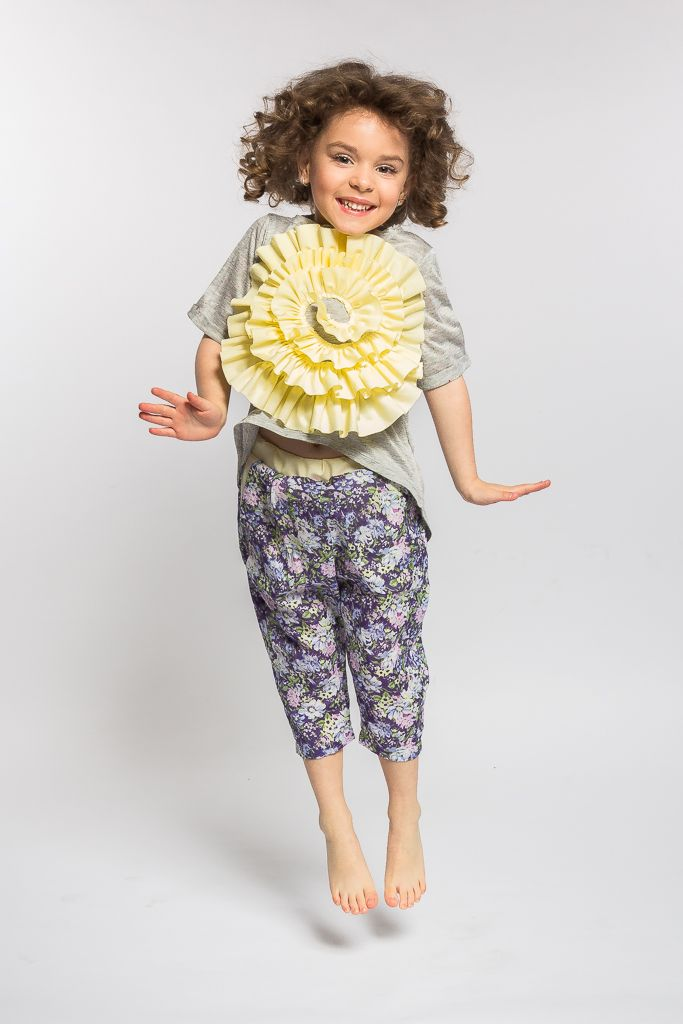 Beautiful t-shirts with flower application designed with love by Designers for kids. Fashion for girls inspired by nature and joy