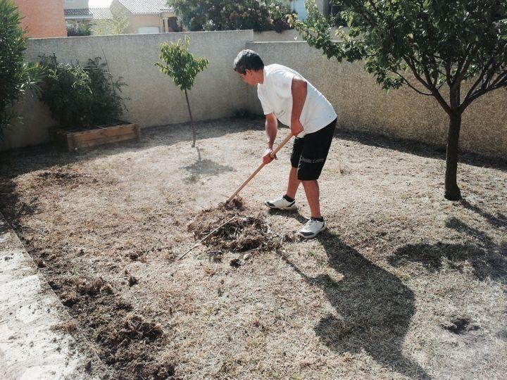 Pr parer votre sol avant de poser votre gazon en for Refaire un gazon