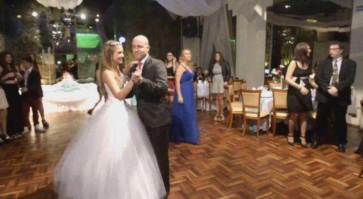 El vals de una quinceañera uruguaya que se hizo viral Padre e hija sorprendieron a sus invitados con un peculiar baile. Vea el video