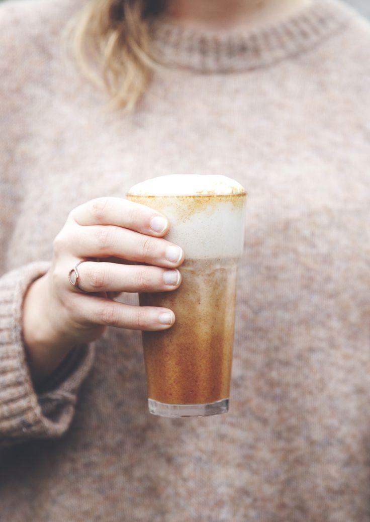 rosehip latte with cinnamon and vanilla