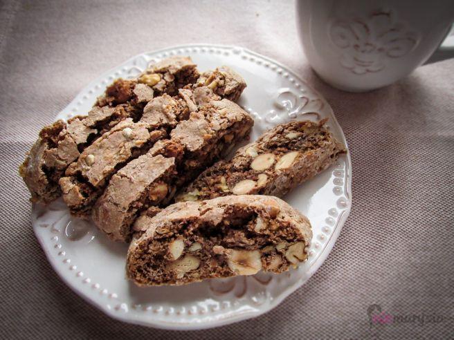 orzechowe biscotti do maczenia w kawie/herbacie :)