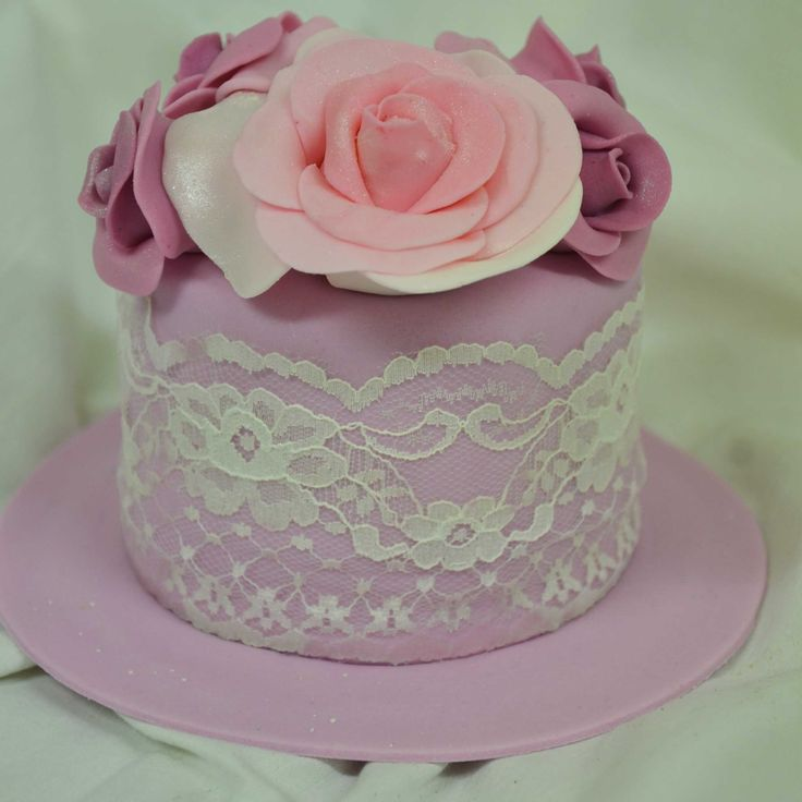 The Cake Artists - Mini Cakes, Pint mini cake with pink flower detailing