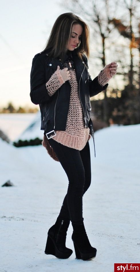 Black leather jacket, big comfy sweater and adorable black wedge booties. Winter style ❄️