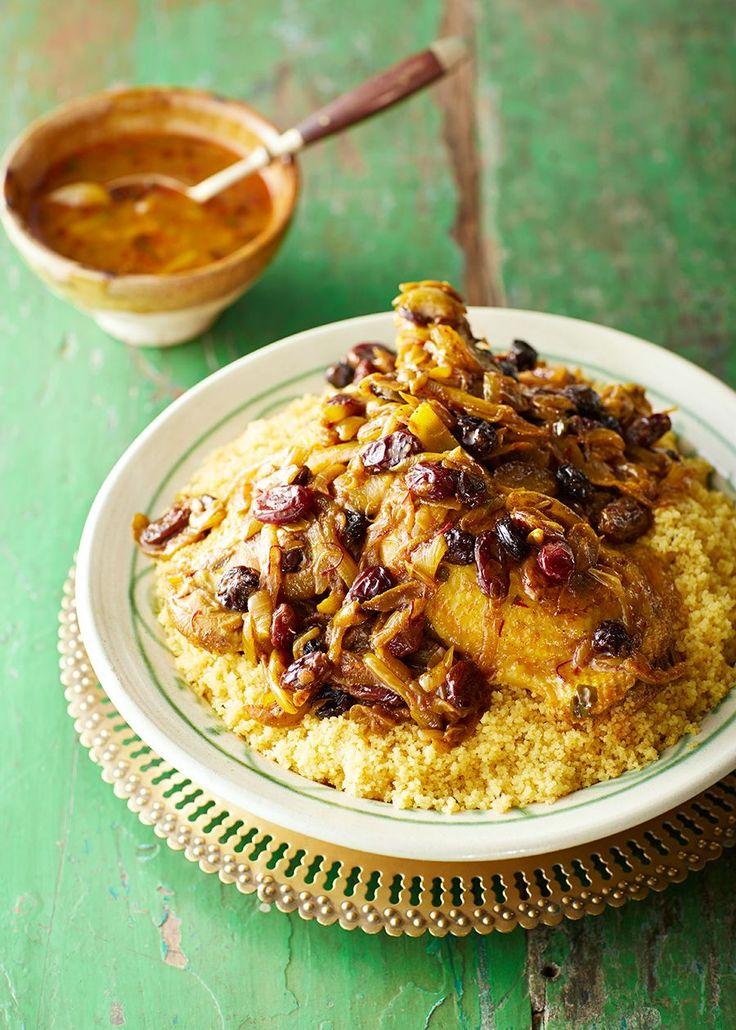 Een nieuw heerlijk kookboek is Melk en Dadels, met daarin 100 geheime recepten van Marokkaanse moeders. In dit boek delen moeders van bekende en andere bijzondere Marokkaanse Nederlanders hunculinaire erfgoed. Wij mogen een lekker recept delen uit dit boek: een zoet-hartige couscous met kip.Als er een gerecht is dat Rhimou elke dag wel op tafel […]