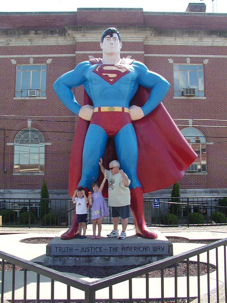 truth, justice and the American Way: Largest Roadside, Street, Heck I, Arte Estatuario, Estatuario En, Art Pieces, Roadside Signs, Large Art, In The