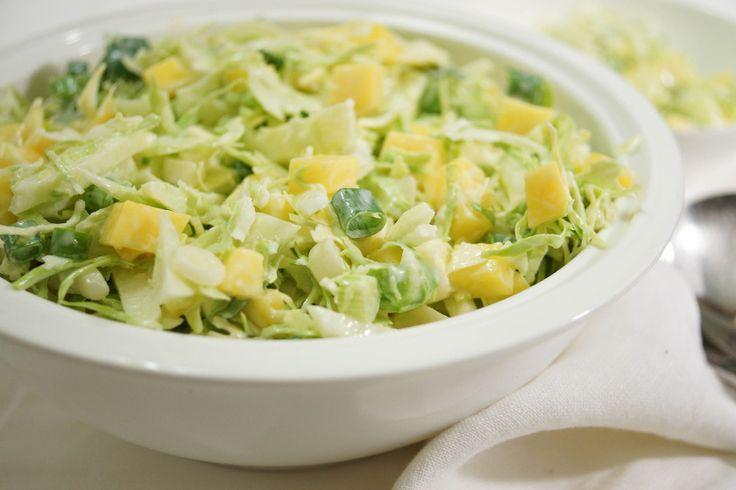 Spitzkohl-Salat mit Apfel und Mango von Elle Republic (Coleslaw/Krautsalat)