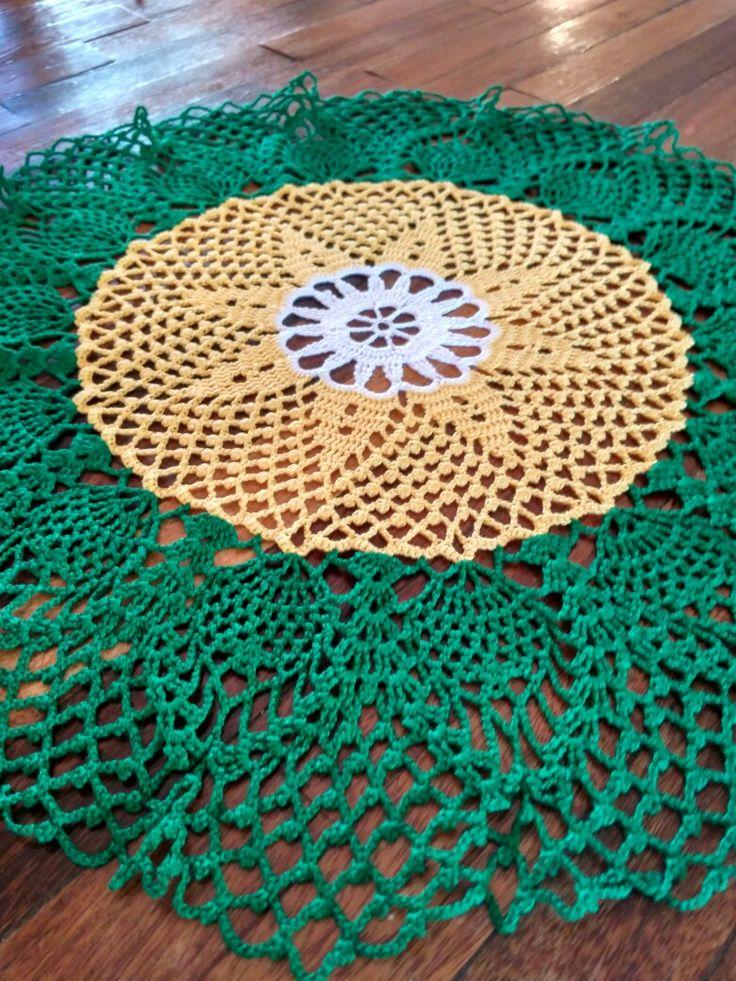Diseño Girasol por Hazel Henry, en la revista Ganchillo Artístico n° 204, diciembre 1993.  Espero que pasen un feliz día. Que sea para todos tiempo de sanación y bienestar.  #crochet #crocheting #ganchillo #uncinetto #häkeln #hechoamano #handmade #dehiloycrochet