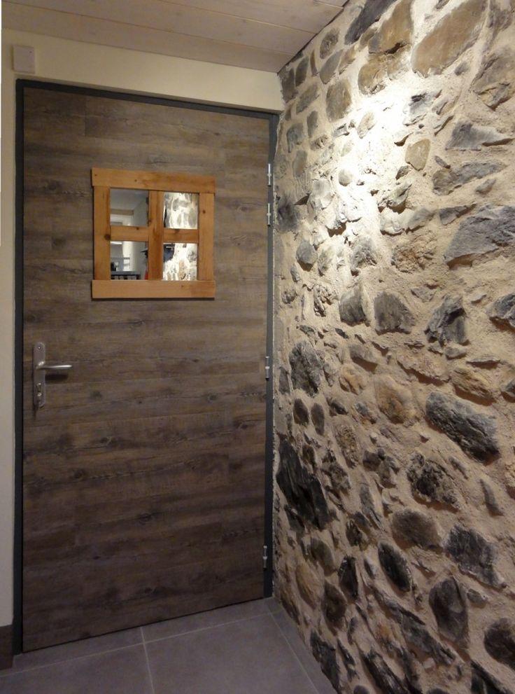 Entry door, Porte d'entrée customisée avec parquet pvc collé dessus.