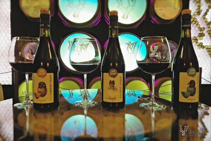 Para aquellos a los que les gusta un #vino diferente,#HelloWorld, lo nuevo de @La_Estacada http://www.plazadelcomercio.es/vinos-hello-world-una-nueva-referencia-de-la-estacada/…