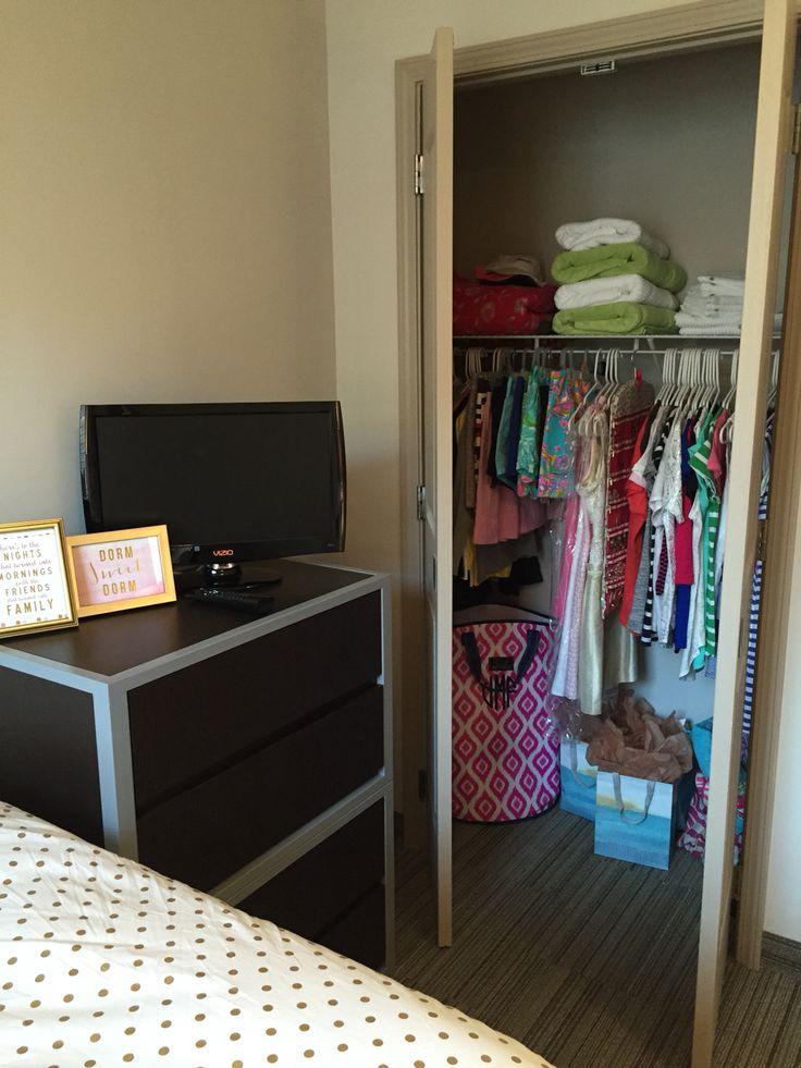 I Need To Organize My Closet Like This University Of Kentucky Dorm Room