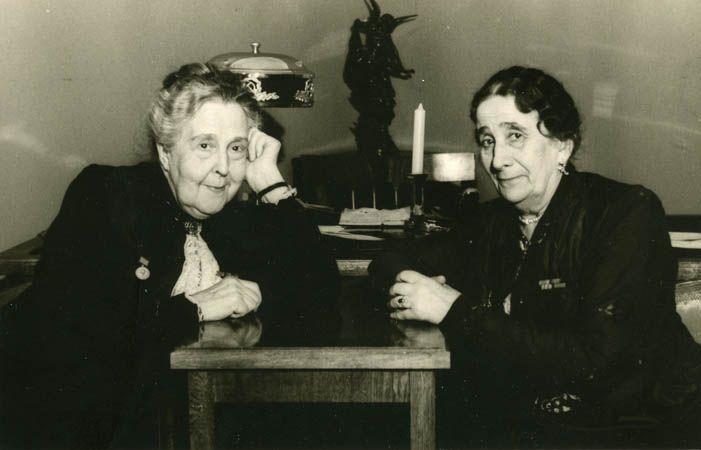 Александра Яблочкина и Евдокия Турчанинова, 1947 г.