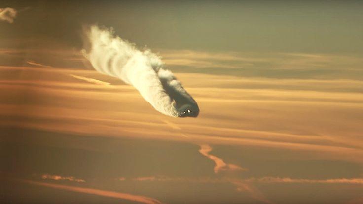 ❝ 'Como un monstruo caído desde el cielo' (Vídeo) ❞ ↪ Vía: proZesa