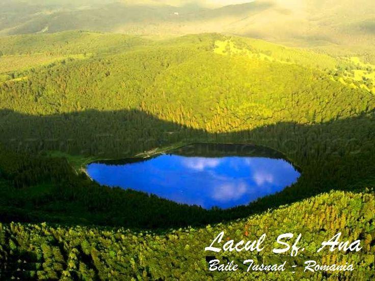 Excursie Lacul Sfanta Ana 2 zile,  Lacul Santa Ana, Sighisoara, Castelul Bran, Alba Iulia, Manastirea Cozia, Sibiu (Muzeul Brukenthal), Brasov (Biserica Neagra)