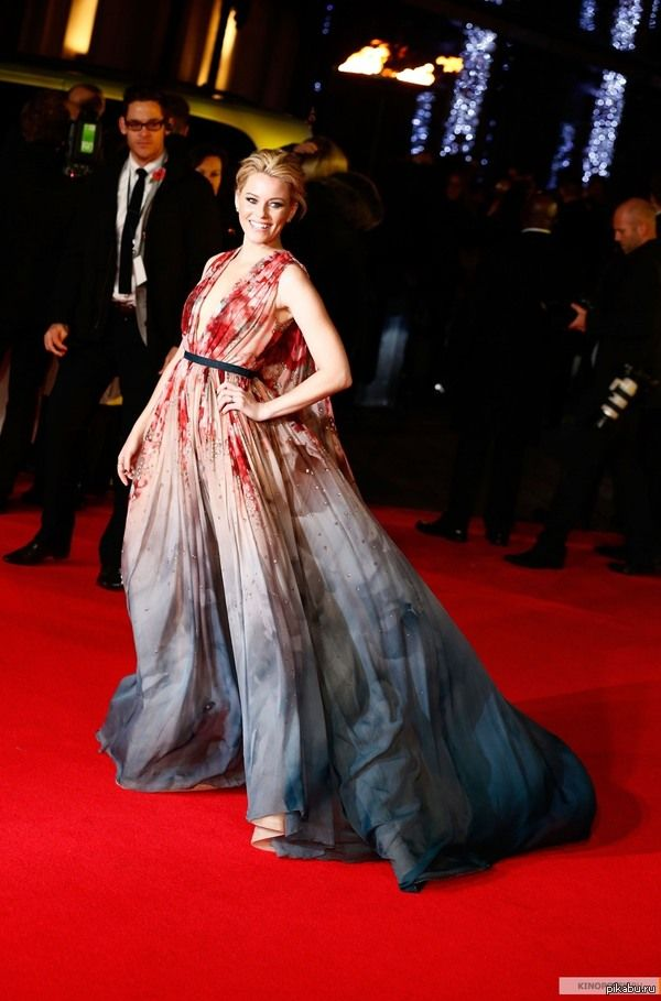 Элизабет Бэнкс в платье Эффи Бряк чудесное платье