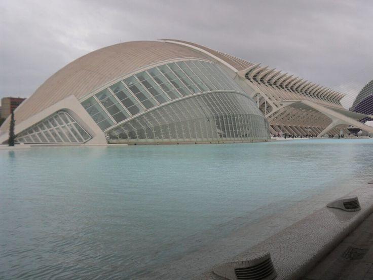 Испанский город Валенсия с невероятной атмосферой_04