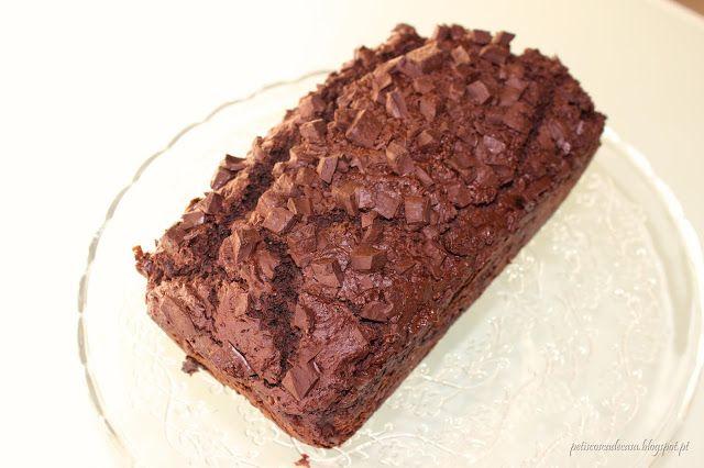 Petiscos cá de casa: Bolo de curgete e chocolate