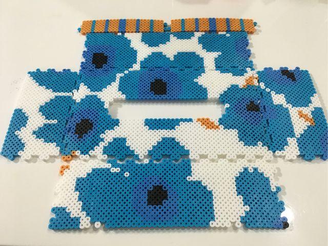 マリメッコ風ブルー系 アイロンビーズのティッシュケース                                                                                                                                                                                 もっと見る