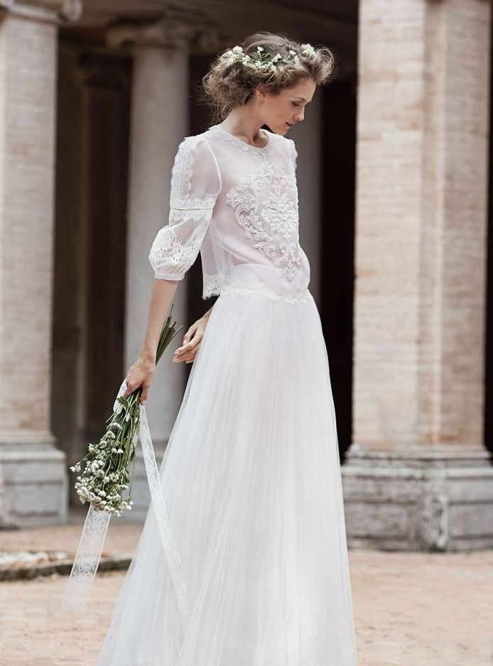 Классическое простое свадебное платье