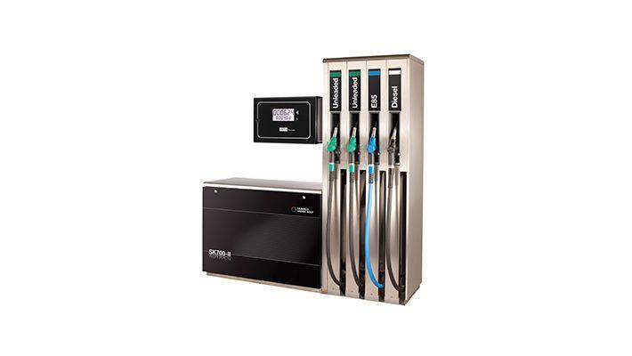SK700 evrim geçirdi! SK700 ün oldukça itibarlı ve başarılı temellerinden yola çıkan Gilbarco Veeder-Root, SK700-II nin SK700 kadar güvenilir ve esnek, ama ondan daha iyi olmasını sağladı.  Müşterilerimizden aldığımız geri bildirimler ve geliştirme faaliyetlerimiz sonucunda, övünerek söyleyelim, SK700-II;  Toplam sahip olma maliyeti en düşük üründür.  En ileri teknoloji ürünüdür,  Üstün son kullanıcı deneyimi sağlar,  ve Müşteri gereksinimlerine uygun olarak uygulanabilir. #torapetrol