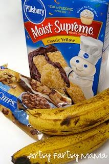Easy Banana Bread: Chocolates Chips, Cooking Sprays, Ripe Bananas, Bananas Breads Recipes, Cake Mixes, Banana Bread, Yellow Cakes Mixed, 4 Ingredients, Easy Bananas