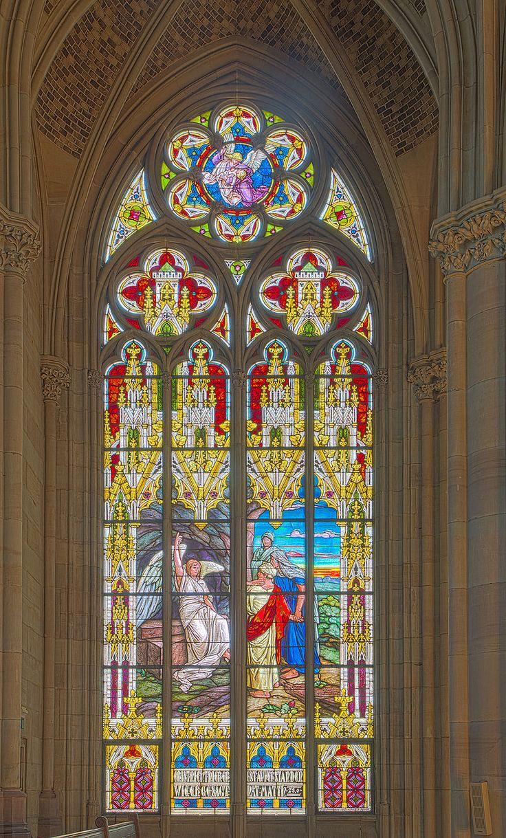 Gedächtniskirche der Protestation in Speyer. Glasfenster von Karl de Bouché 2015-07-03 Speyer Gedächtniskirche 1410 - 1414.jpg