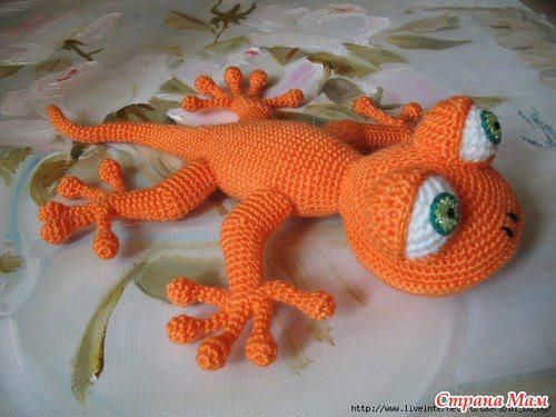 Amigurumi Gecko Pattern : knit or crochet gecko knitting ideas Pinterest
