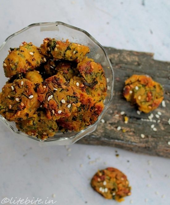 Easy and healthy Indian snack - Spinach Muthias! @Sanjeeta kk #recipe #vegetarian #snack #food