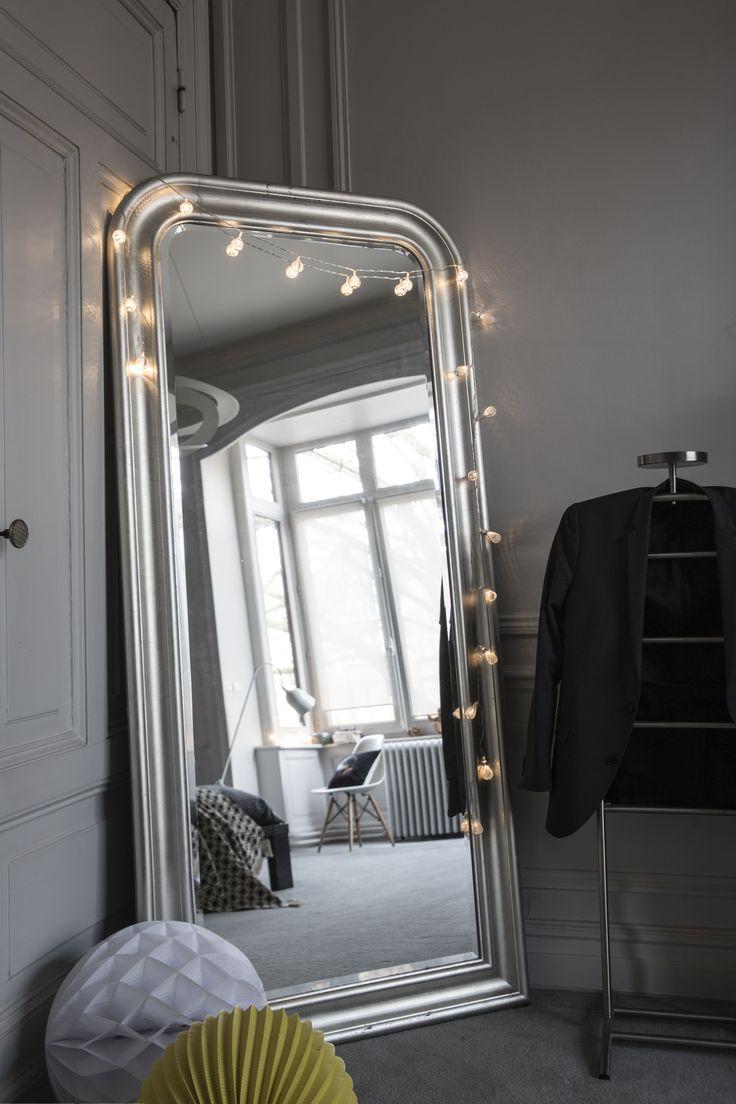 Les 25 meilleures id es de la cat gorie miroir lumineux for Miroir hollywood ikea