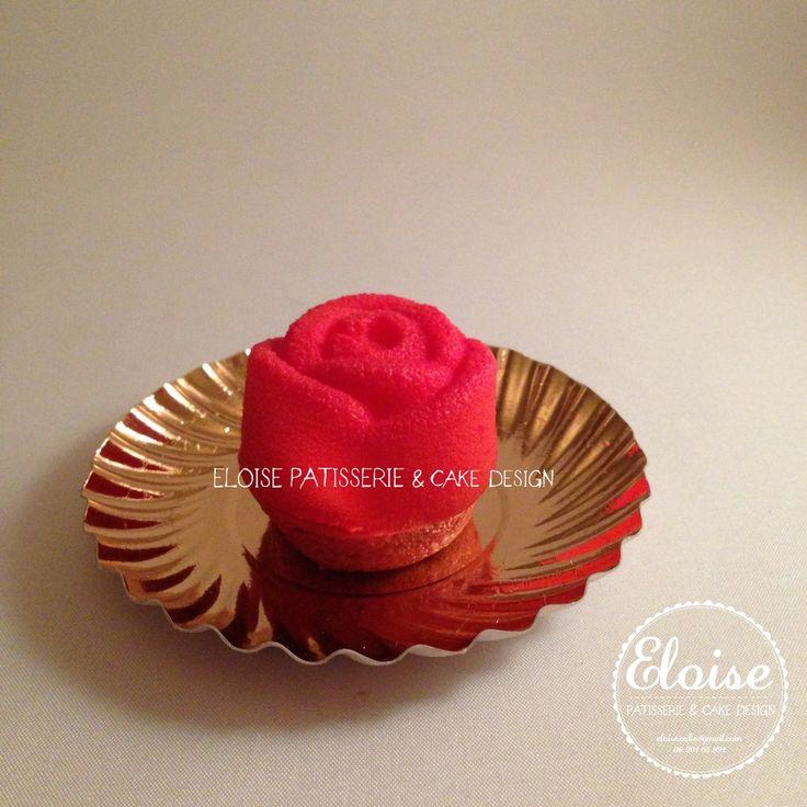 Mocha anglaise with white chocolate and frangipane Mokka anglaise met witte chocolade en frangipane FB Eloise Patisserie & cake design E-Mail eloise.cake@gmail.com