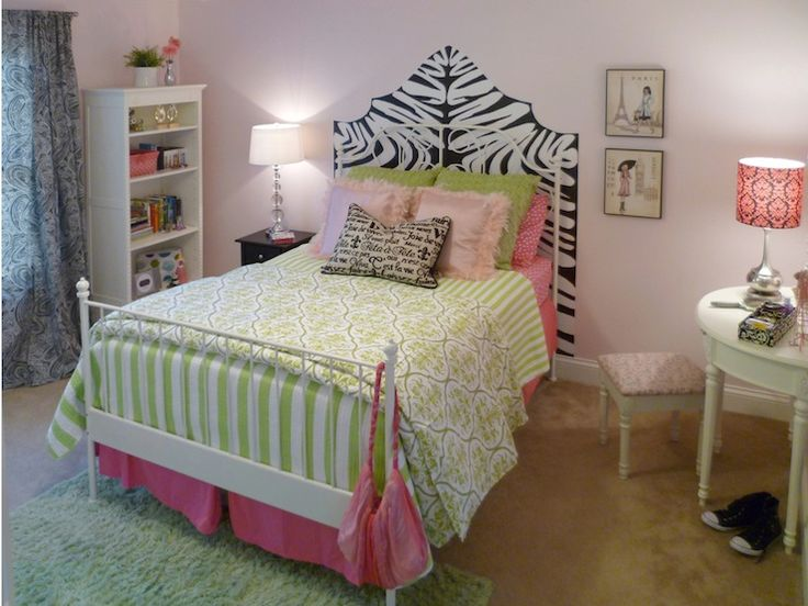 pink walls, green bedding paint color: Sherwin Williams Demure