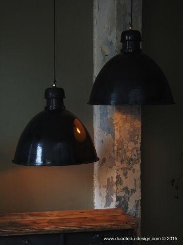 suspension abat jour emaillee noir lampe industrielle bauhaus lampe industrielle pinterest. Black Bedroom Furniture Sets. Home Design Ideas