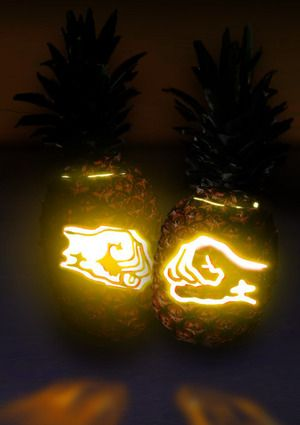 Psych Pineapple Carving... the most beautiful thing I've seen all day! Psych is the best!