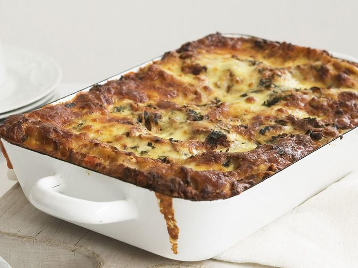 This classic Italian dish is pure comfort food with layers upon layers of melted cheese, pasta and hearty beef mince.