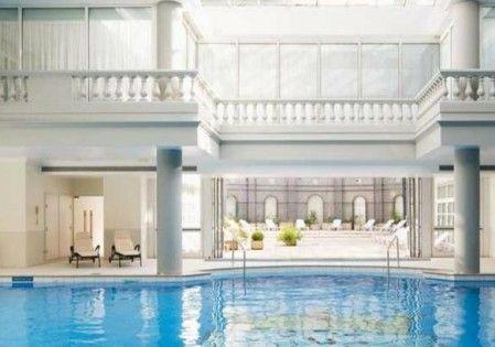 Le Trianon Palace à Versailles vous offre des prestations haut de gamme pour vos séminaires d'entreprise. http://www.aleou.fr/salle-seminaire/1614-hotel-trianon-palace-et-spa-a-westin-hotel.html
