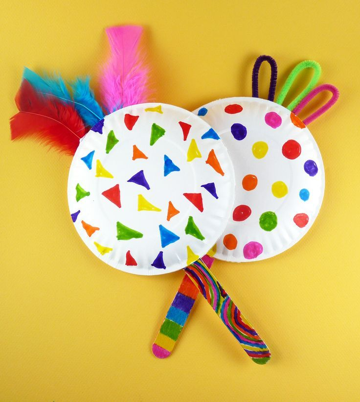 And yet another variation on the paperplate noisemaker - a handmade maraca filled with macaroni!  As always, decorate it with your team colors!