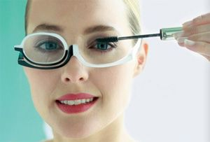 Dit is de make-up bril met zwart/wit design.