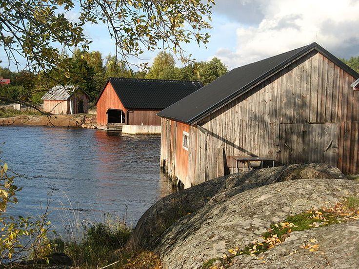 Boathouses, Västra Simskäla in Vårdö, Åland, Finland.   Photo LPfi