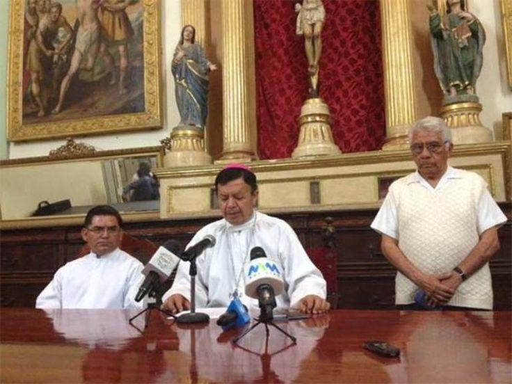 Obispo auxiliar en Oaxaca trasgrede unión legal del mismo sexo