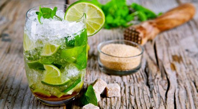 Classic mojito with lime and mint