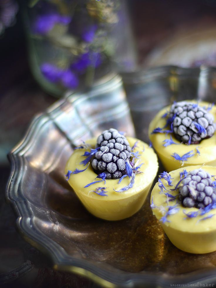 Blackberry Lemon Raw Cheesecake Bites #vegan (Free From: dairy, gluten & grains, and refined sugar)