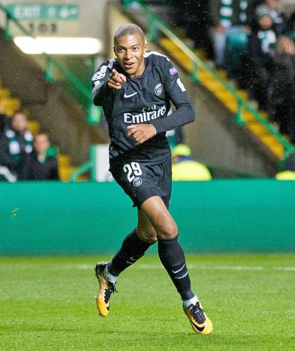 Celtic fan ran onto pitch and tried to KICK Kylian Mbappe during PSG thrashing - https://buzznews.co.uk/celtic-fan-ran-onto-pitch-and-tried-to-kick-kylian-mbappe-during-psg-thrashing -