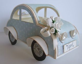 Cam-Cams scrappehjørne: Bil til en liten gutt m nødvendige maler :) Tenker vel mer bil til et nygift par, men