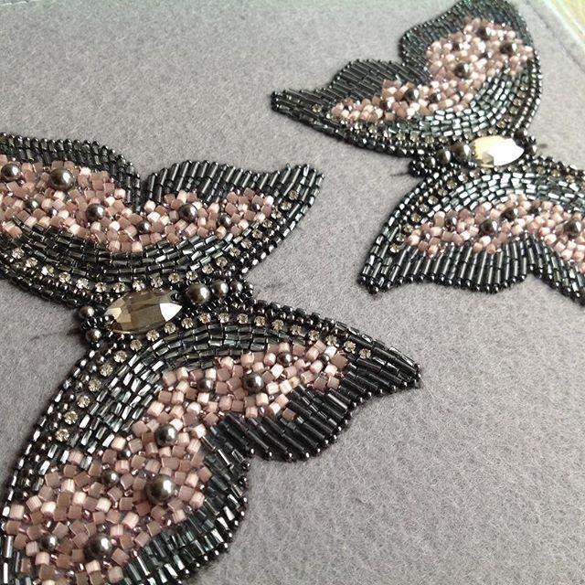 Будни дизайнера по вышивке....Ведерко кофе и стаи бабочек....