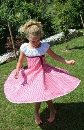 +Einschulungskleid+Elodie+Drehkleid+Gr.+128/+134+von+Pamina+Kids+Handmade+auf+DaWanda.com
