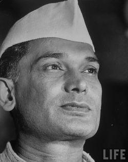 https://upload.wikimedia.org/wikipedia/en/8/87/Jayaprakash_Narayan.jpg