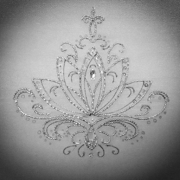 Embroidery | Lunéville  #arocha #LotusFlower